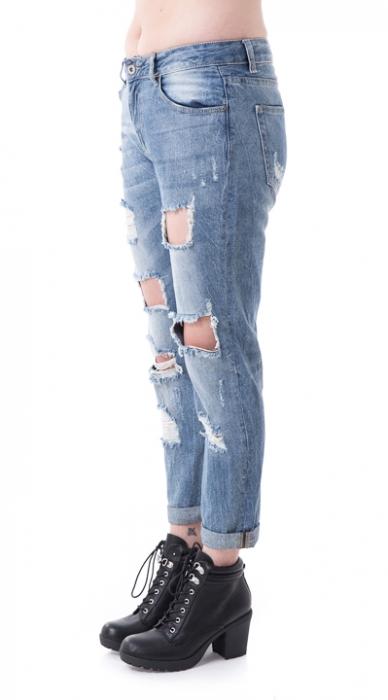 ג'ינס בלה קרעים
